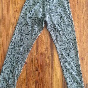 Cropped Beyond Yoga Leggings